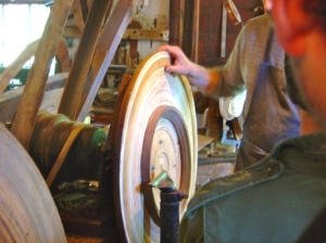 Turning and oval frame