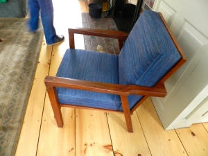 Expressed joinery and clean lines on this comfortable chair