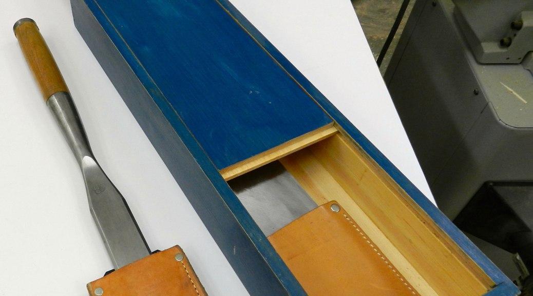 Sliding top timber framing chisel box