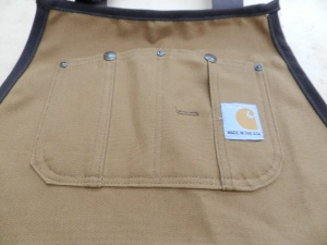 Riveted Top Pocket With Buttons