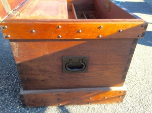 Side view of tool chest